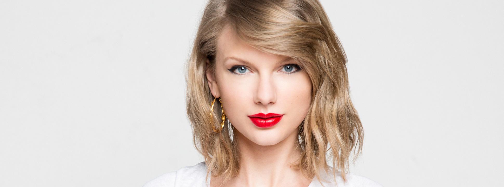 """Image result for Taylor Swift: """"Chúng ta nên yêu, chứ đừng nên ngã vào tình yêu. Bởi vì bất kỳ cái gì mà ngã thì sẽ đau."""" photos"""