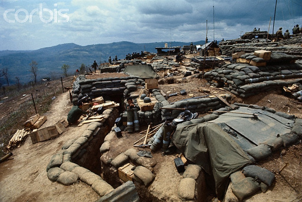 13 Mar 1971 | QÄ VNCH xây dá»±ng cÄn cứ yá»m trợ hoả lá»±c  Delta One, 9 dặm trong Äất Lào. Nguá»n: © Bettmann/CORBIS