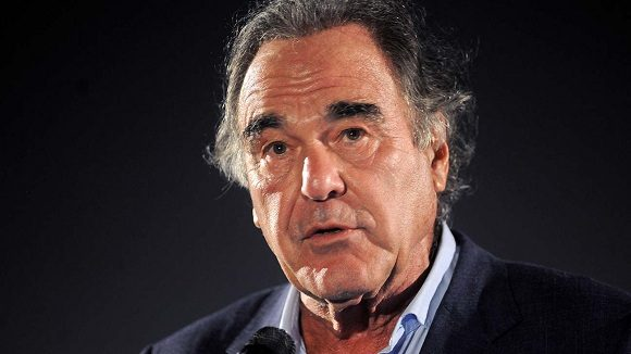 Filmmaker Oliver Stone signed the online petition to deliver the Nobel Peace Prize to the Cuban medical brigade Henry Reeve