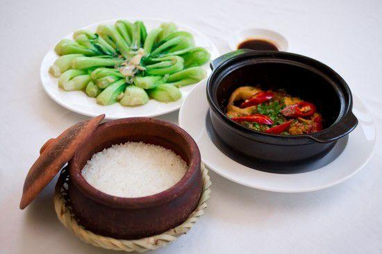 mail?url=http%3A%2F%2Fmedia.foody.vn%2Fimages%2FSet-an-cho-02-nguoi-Com-nieu-ca-kho-canh-rau-xao-trang-mieng-tai-Com-nieu-Duong-Dong-Chi-115000d