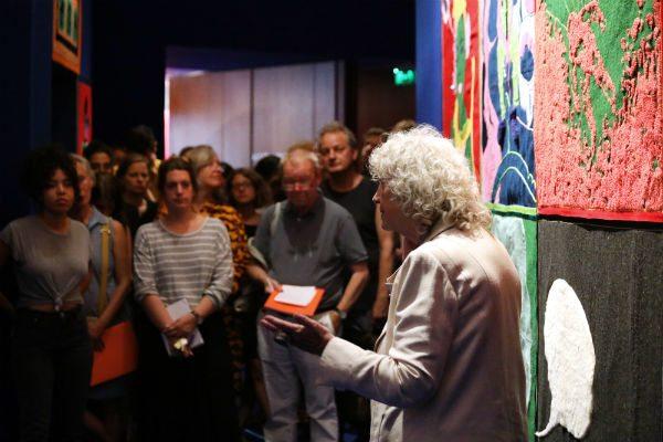 Ulrike Ottinger bei der Eröffnung von Paris Calligrammes | © Silke Briel/HKW