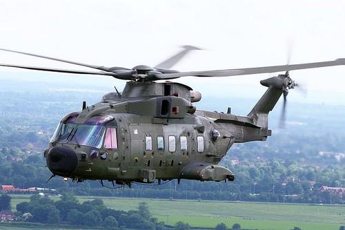 AW101 Merlin (EH101) là một máy bay trực thăng linh hoạt, có thể bay với tốc độ tối đa 309 km/h
