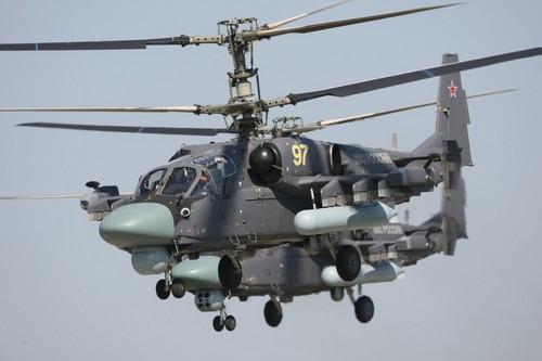 Ka-52 Alligator của Nga, nó có khả năng bay với tốc độ tối đa 300 km/h