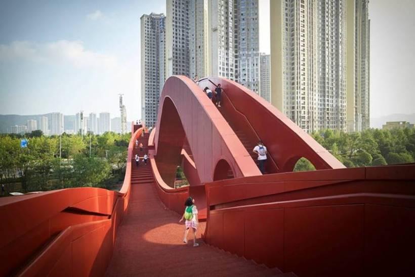 The Lucky Knot bridge comprises three undulating, intertwined steel walkways