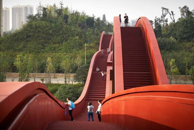 The Lucky Knot bridge was designed collaboratively by the Chinese and Dutch arms of NEXT Architects