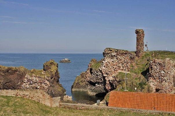 http://3.bp.blogspot.com/--FcTvSW4l8I/T5qziyl1FaI/AAAAAAAAV2o/cjNnIvcvWdE/s1600/Dunbar_Castle_1aMA28989521-0007.jpg