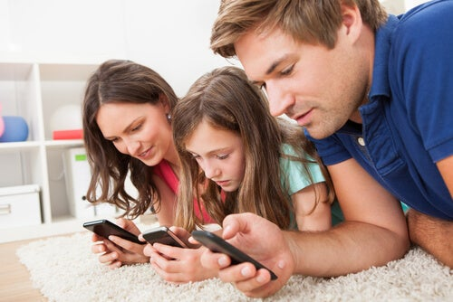 tecnologia-pode-atraplhar-o-relacionamento-familiar