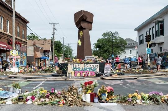 """George Floyd Memorial """"fist"""" Statue"""