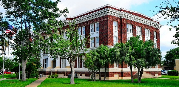 Brick facade of the Willacy County Courthouse