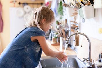 Washing hands water graphic