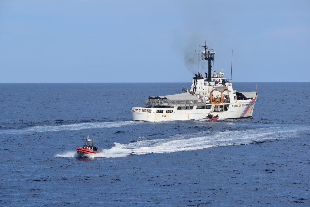Resolute conducts an at-sea transfer with Cutter Diligence.