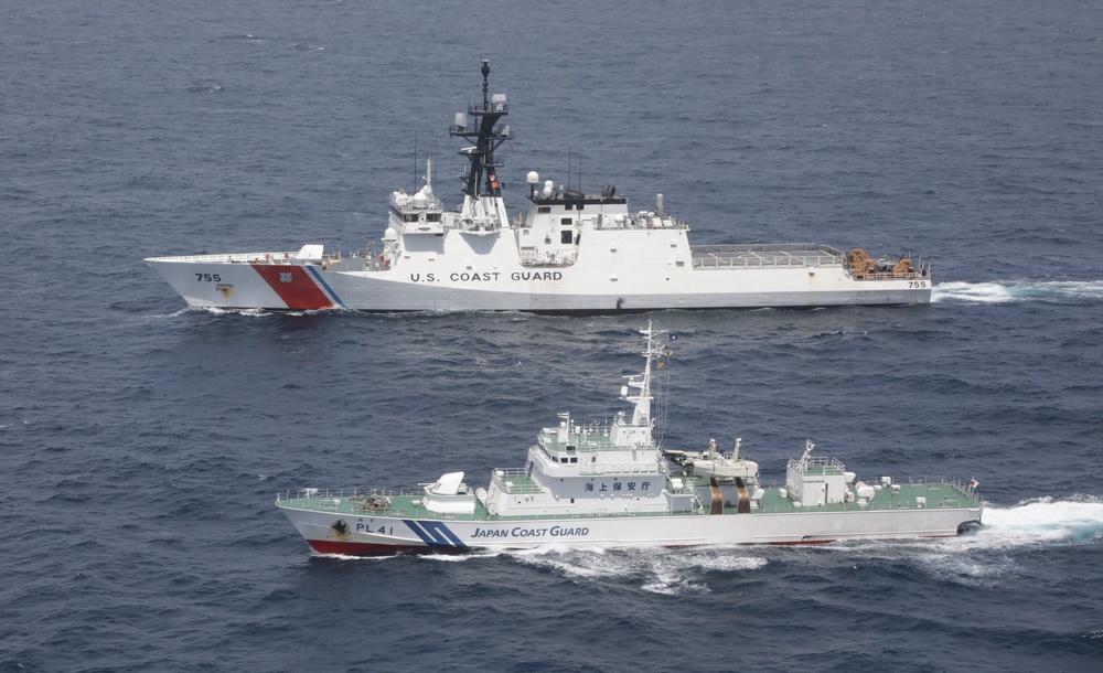 Photo of U.S. and Japan Coast Guard vessels