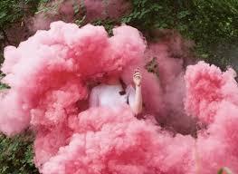 C ơi cho e hỏi cái pic khói ở dưới màu hồng là gì ý ạ? | ask.fm/quotefree