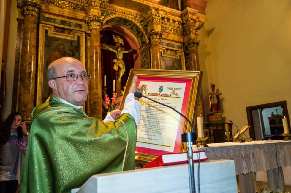 José Manuel Ramos, durante un homenaje que recibió en la parroquia de Tábara (León) el pasado octubre, antes de ser apartado por el Vaticano por abusos a menores.