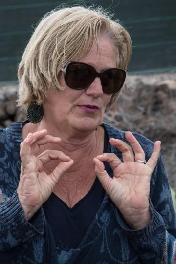 Annelies B, la holandesa que hizo de traductora con el niño que huyó de la agresión de su padre en Adeje (Tenerife).