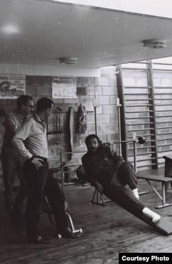 En su gimnasio de la calle 11 del Vedado. (Luis Domínguez)