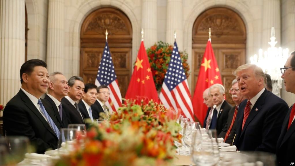 Tổng thống Mỹ Donald Trump và Chủ tịch Trung Quốc Tập Cận Bình trong một cuộc họp song phương, ngày 1 tháng 12, 2018 ở Buenos Aires, Argentina.