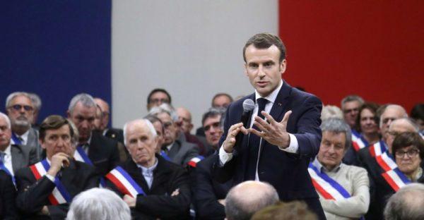Boycott des négociations des plans anti-ouvriers de Macron et de son « débat » !