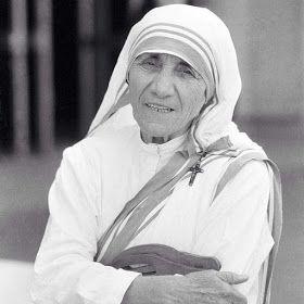 Un Mondo di Fantasie all'Uncinetto di Lisa : Ci sono persone... Madre Teresa di Calcutta