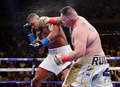 Andy Rruiz punishing Anthony Joshua during the fight