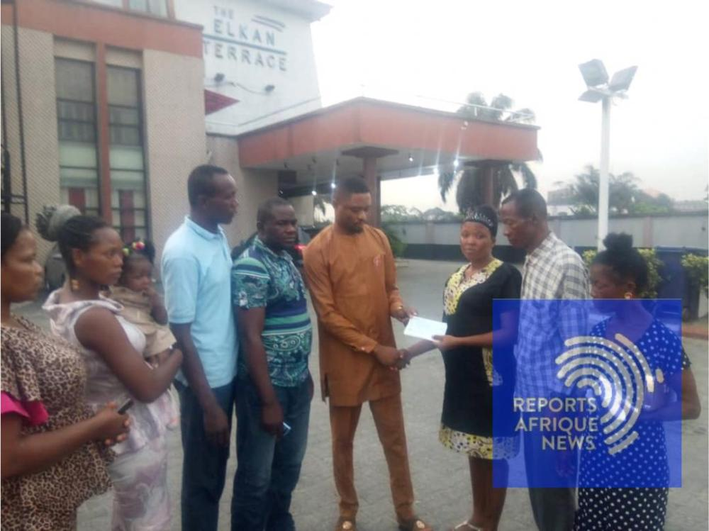 CEO of Dynatyy perfumes gives a cheque of N1 million to Adaugu Ikwunado #justiceForChima