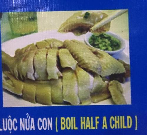 Món ăn khiến du khách chết điếng vì dịch luộc nửa con gà thành boil half a child (luộc nửa đứa trẻ)