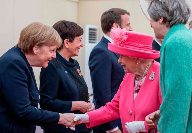 Queen meets German Chancellor Angela Merkel