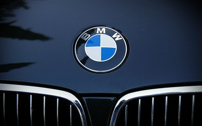 BMW Group steps up the pace of e-mobility expansion
