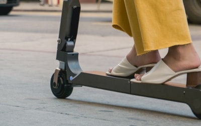 Hyundai reveals personal electric scooter capable of 20km range