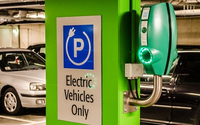 Collaboration Reviews Battery Recycling Process for Electric Vehicles