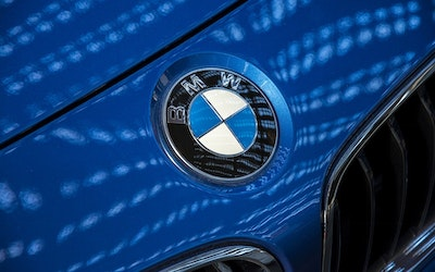 BMW Forges Ahead with E-Mobility and Secures Long-Term Battery Needs