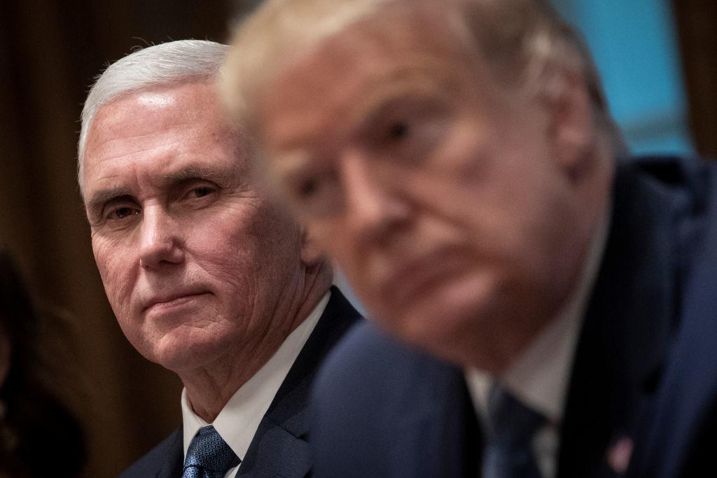 Không chỉ là cánh tay đắc lực hỗ trợ tổng thống Trump, ông Mike Pence có tính cách khiêm nhường và ít nói, nhờ vậy ông rất được lòng các chính trị gia và cử tri.