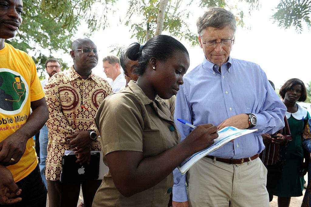 Quỹ Gates & Melinda Gates Foundation đã rót 10 tỷ cho 3 tổ chức lớn khác nhau, từ đó tăng cường khả năng tiếp cận với vaccine và thuốc men cho người dân tại các quốc gia đang phát triển. (Ảnh: Getty)