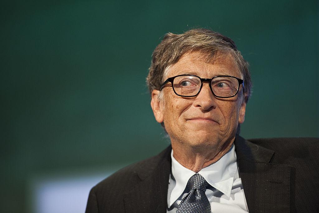 """Bất chấp những lời chỉ trích, với nguồn tiền khổng lồ được rót đều vào trong tổ chức, WHO vẫn mặc nhiên trao cho Quỹ Gates một vị thế """"quan hệ chính thức"""" với tổ chức này."""