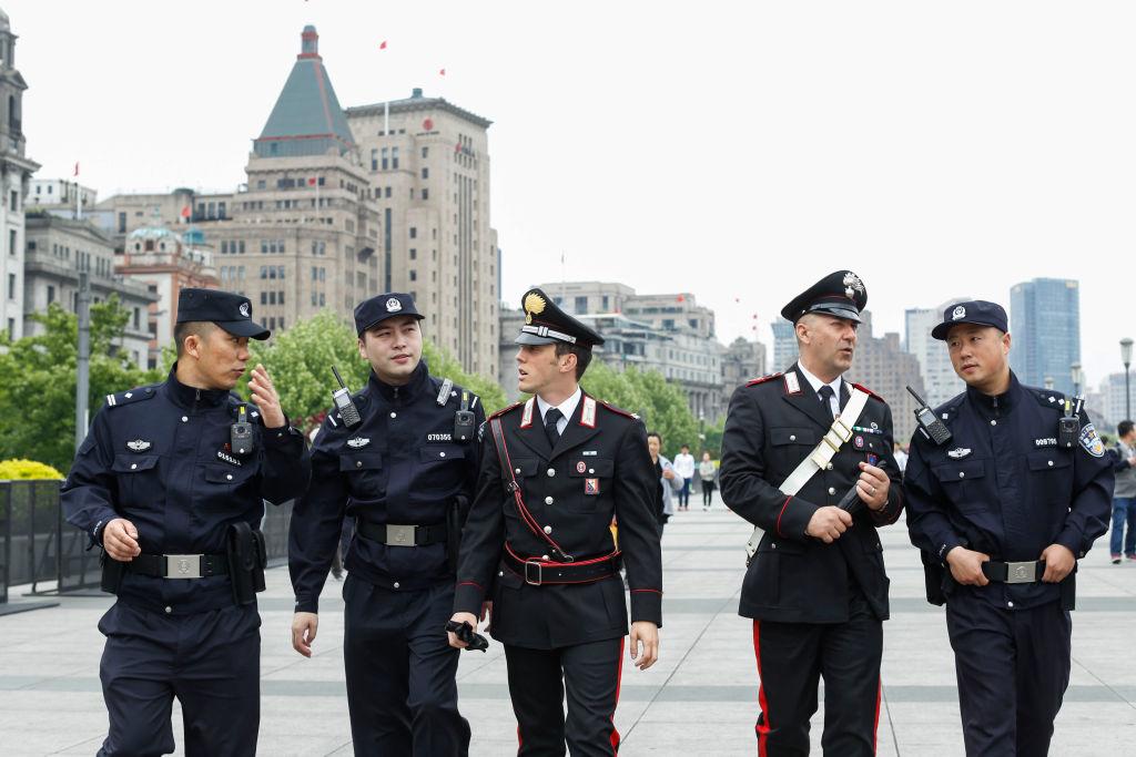 Alessandra Bocchi là một nữ nhà báo trẻ người Ý quan tâm đến các vấn đề Trung Quốc. Cô cho biết cô cảm thấy sợ hãi khi chứng kiến cảnh sát Trung Quốc và các nhân viên thực thi pháp luật Ý đi cạnh nhau. (Ảnh: Getty)