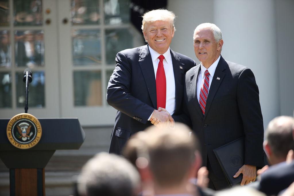 Ông Pence lập luận, Trung Quốc đang theo đuổi một chiến dịch toàn diện để chia rẽ nước Mỹ và phá hoại sự ủng hộ dành cho Tổng thống Trump.