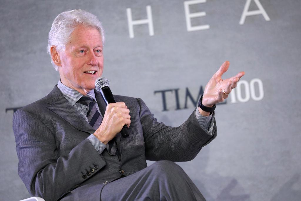 Bill Clinton đã từng khoái trá khi nói với một nhà tư vấn lâu năm của đảng Dân chủ New York rằng nếu Hillary lấy lại được Nhà Trắng, ông ta sẽ lại xử lý mọi việc.