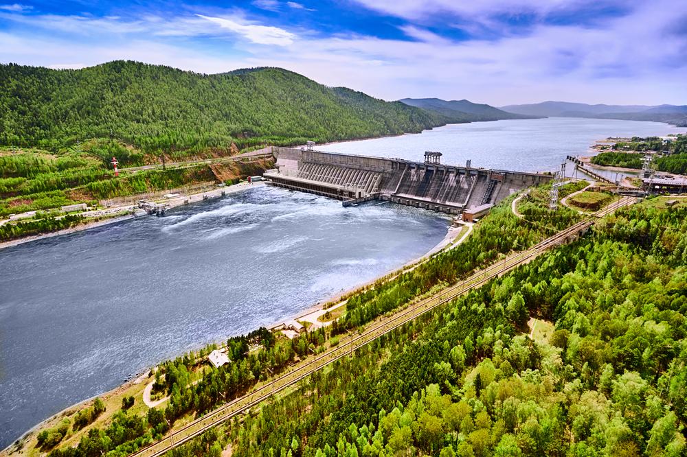 Đập thủy điện không thể kiểm soát lũ hiệu quả: Đập có thể cắt lũ theo quy luật nhưng thường thất bại trước những cơn lũ lớn, bất thường.