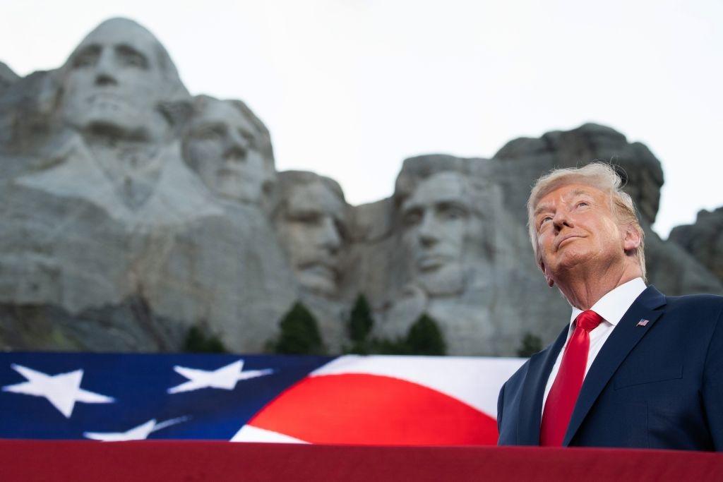 Vì lợi ích của chúng ta, vì lợi ích của con cái chúng ta, vì lợi ích của liên bang, chúng ta phải bảo vệ và giữ gìn lịch sử, di sản và những anh hùng vĩ đại của chúng ta.