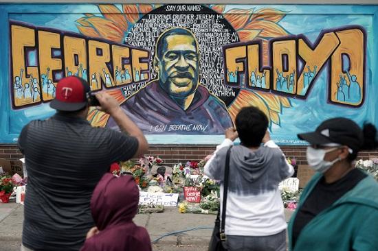 احتجاجات السود بعد قتل جورج فلويد