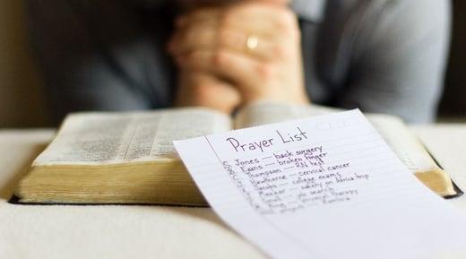 Intercessory-prayer_825_460_80_c1