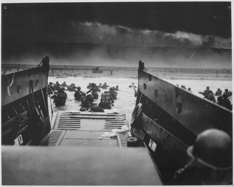 File:Photograph of the Normandy Invasion - NARA - 513173.tif