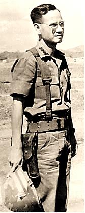 Image result for hình đại tá lê đức đạt kẻm gai bọc xác anh hùng