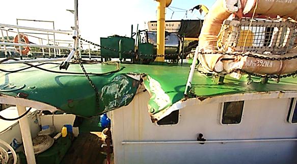 Image result for hình tàu kiểm ngư vn bị đâm việt nam bị tàu trung quốc đâm bể sườn trong vụ giàn khoan hd 981