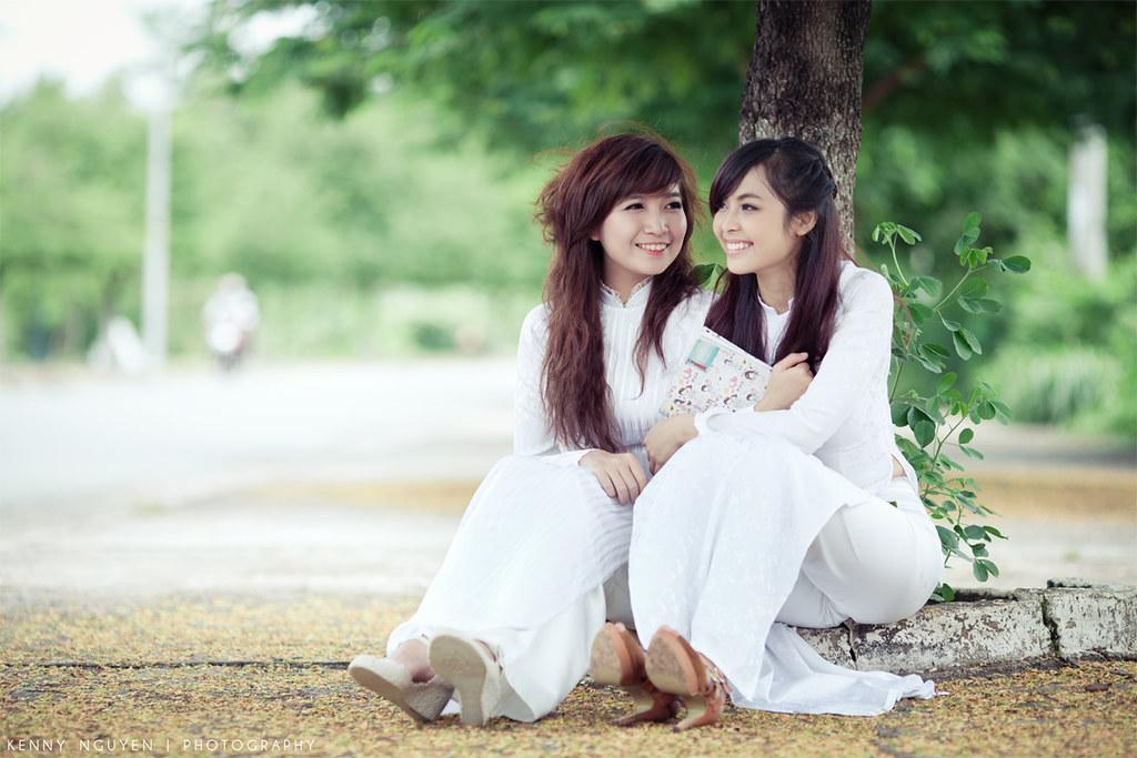 Áo trắng - Kỷ niệm thời học sinh | Model : PoPo - Charlene N… | Flickr