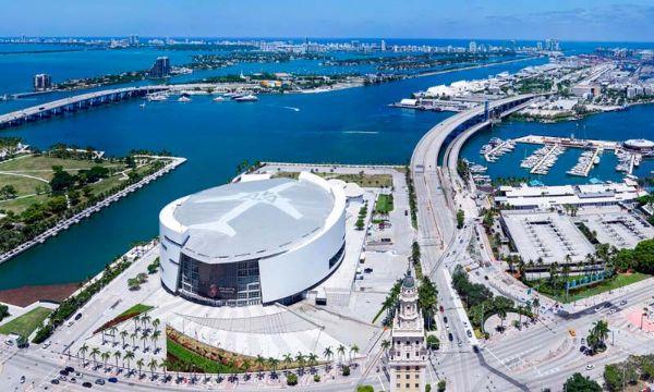 Vista do Waldorf Astoria Miami