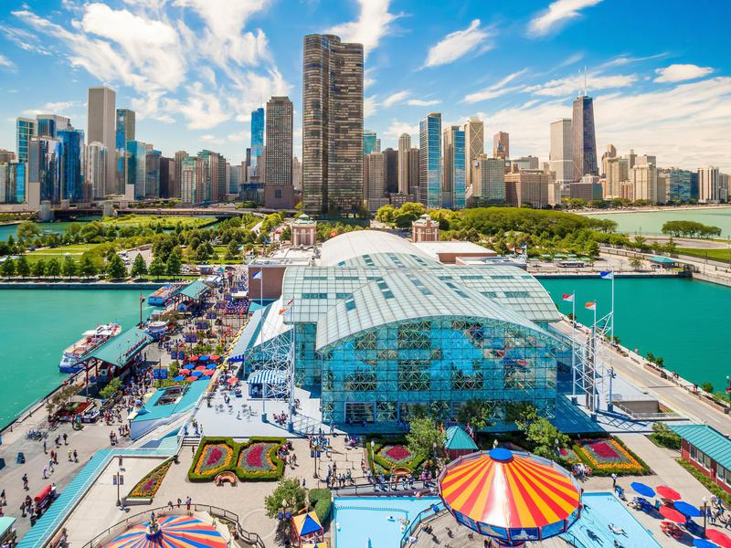 Chicago locals tend to look down on this tourist attraction. But out-of-towners can't get enough.