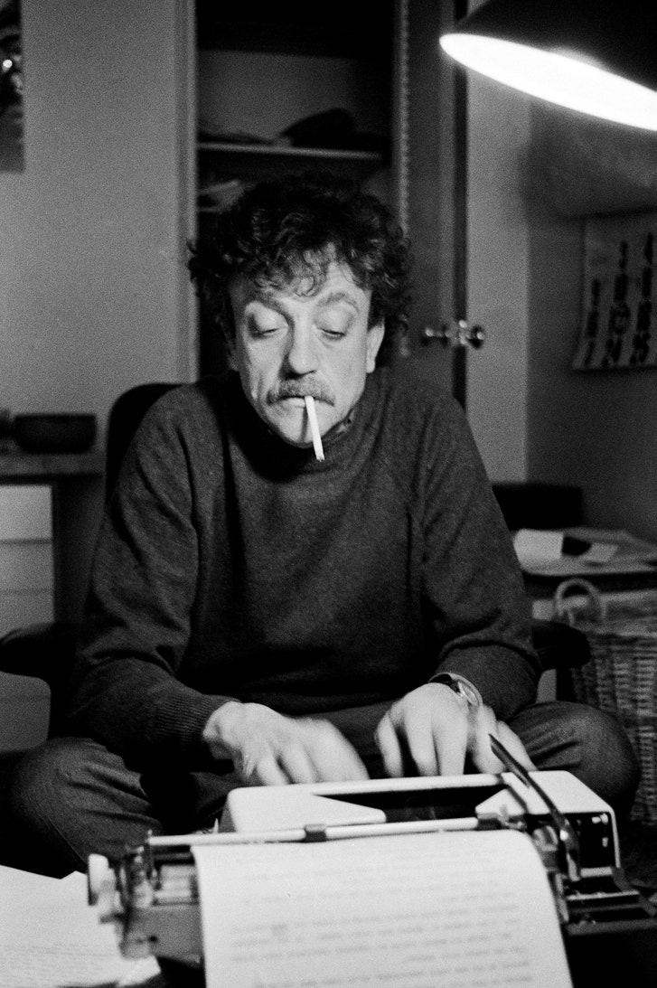 https://media.newyorker.com/photos/5d01329dd07242447d2c7444/master/w_727,c_limit/Rushdie-Vonnegut.jpg