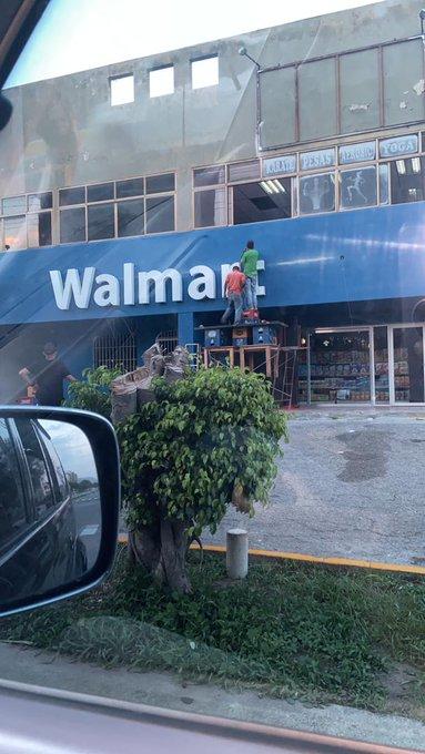 """elleponsigue on Twitter: """"Y lo de la fachada exacta a Walmart ..."""