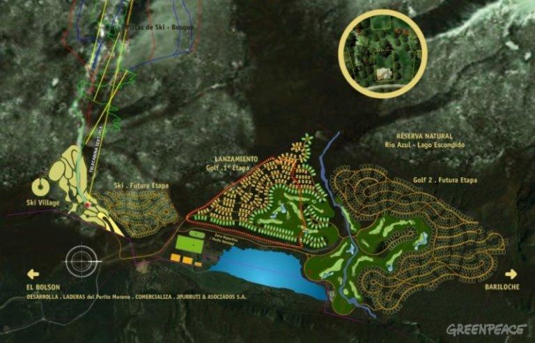 Le plan proposé pour le projet Laderas, un lotissement de luxe de 1 000 logements comprenant un lac artificiel et un terrain de golf. Les firmes de Lewis ont l'intention de placer l'aéroport privé (qui n'apparaît pas sur cette image) au sud du lac. Le projet est situé en plein centre d'une réserve naturelle, est relié à la propriété Lago Escondido de Lewis et se trouve au sommet des réserves d'eau d'El Bolsón